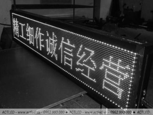 Biển Led quảng cáo P10 trắng xuất xứ Trung Quốc