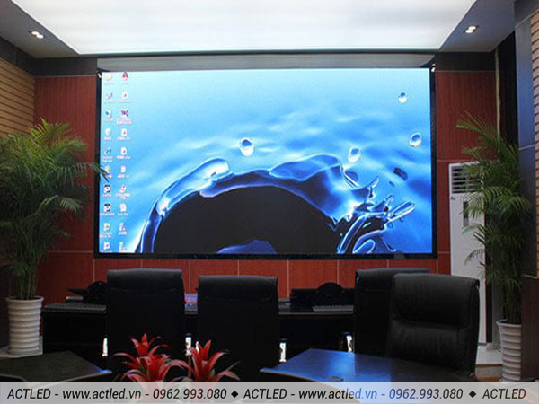 Thay thế các hình thức hiển bằng màn hình LCD, máy chiếu